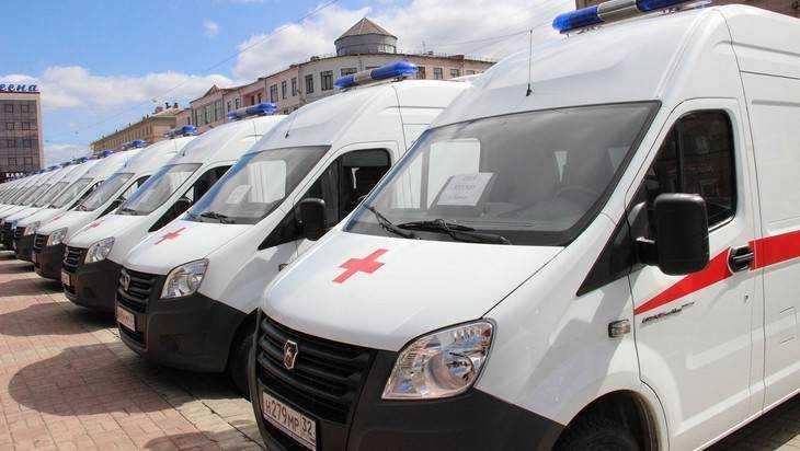 Брянским медикам передали 16 новых машин «скорой помощи»