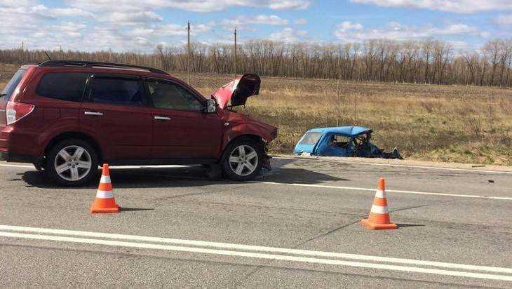Под Севском столкнулись «Нива» и Subaru – два человека пострадали