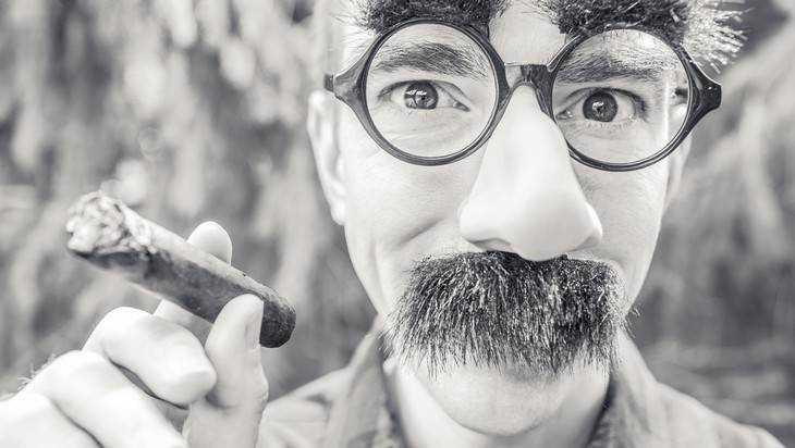 Минздрав сообщил о сокращении доли взрослых курильщиков в России