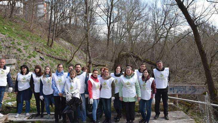 Сотрудники ООО «Газпром межрегионгаз Брянск» приняли участие в субботнике