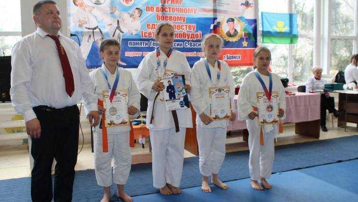В Брянске прошел турнир по сётокан и кобудо памяти Сергея Василёва