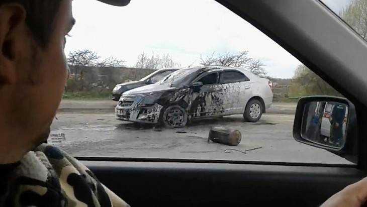 Автомобиль врезался в бочку с битумом в Брянске