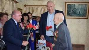 Брянский депутат Николай Валуев поздравил ветеранов войны