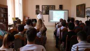 В Брянске по приглашению Изборского клуба выступил историк Алексей Исаев