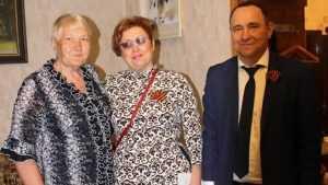 Сотрудники «Брянскэнерго» поздравили ветеранов-энергетиков с Днем Победы
