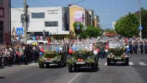 В Клинцах колонна акции «Бессмертный полк» растянулась на километр