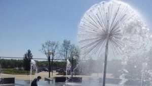 В Брянске сломали новый фонтан на набережной