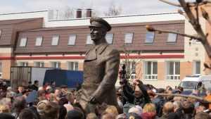 Жителям Брянска предлагают пройти «дорогой Гагарина»