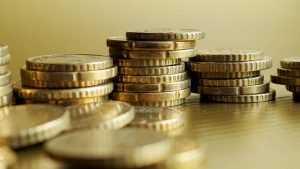 Как находить ценные монеты и превратить такое увлечение в заработок