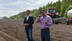 На брянском поле показали чудеса точного земледелия