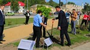 В Брянске посадили аллею в честь спасавших евреев от фашистов