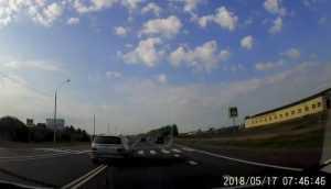Под Брянском сняли видео трех опасных обгонов BMW через сплошную линию