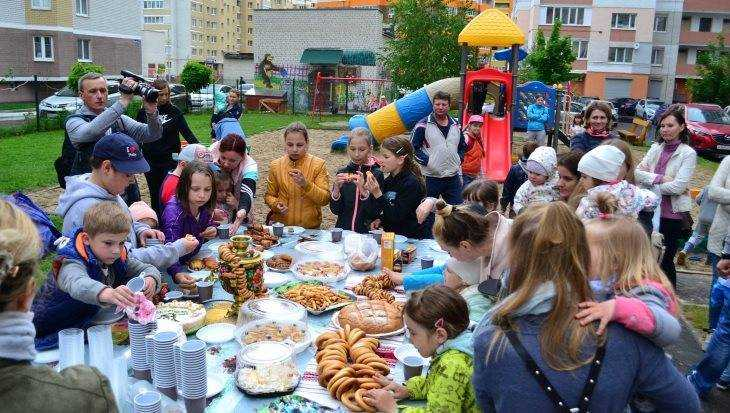 ТОСы приглашают брянцев отметить День соседей