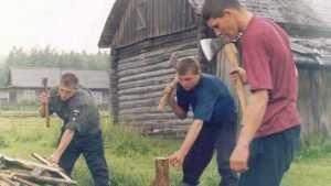 В Злынковском районе мальчик отрубил палец 11-летнему брату
