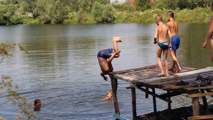 Пляж на озере Орлик в Брянске не прошел проверку на безопасность