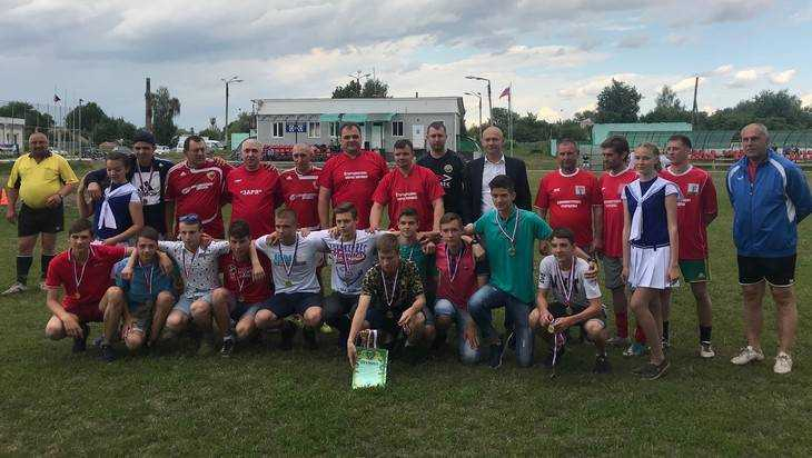Юные футболисты Стародуба стали чемпионами области в трех категориях