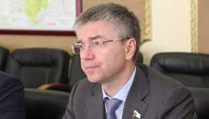 Депутат Ревенко приехал в Брянск на празднование Дня партизан и подпольщиков