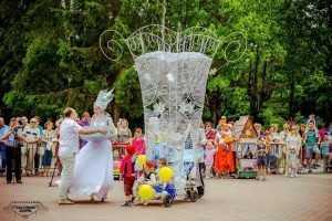 В Брянске на параде колясок представили творения 38 команд