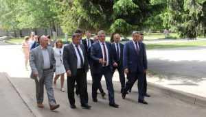 Брянский губернатор осмотрел пристройку к школе за 300 миллионов