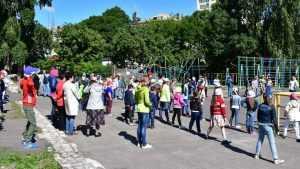 В Брянске прошел спортивный праздник «Крепкая семья»
