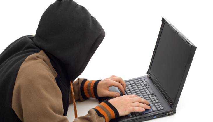 Осуждённому за распространение порнографии брянцу добавили срок