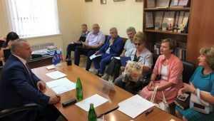 Валентин Суббот взял на контроль вопрос переселения семьи из аварийного жилья