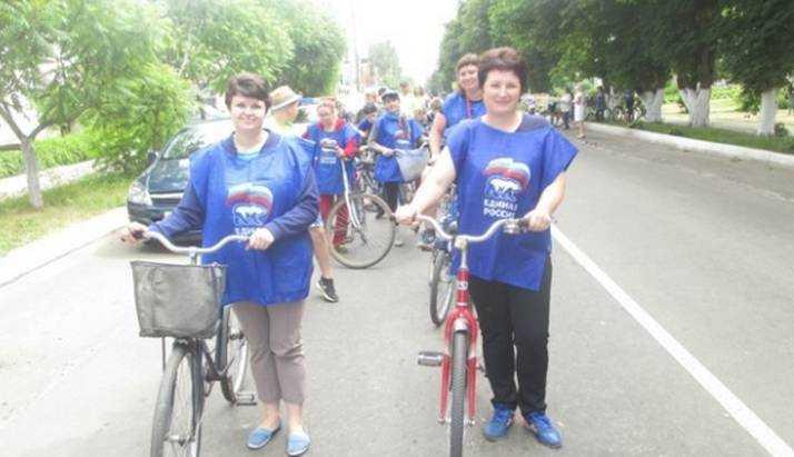 В Трубчевске в День России «Единая Россия» организовала велопробег