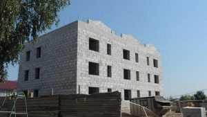 В Новозыбкове для детей-сирот строят трехэтажный дом