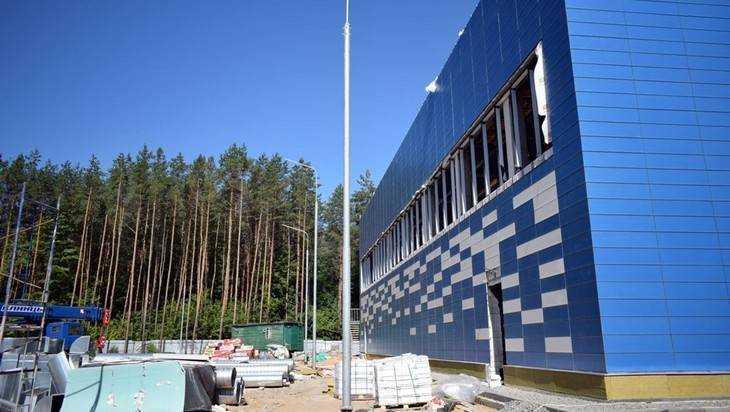 В Клинцах заканчивается строительство физкультурного комплекса