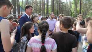 Глава Брянска Хлиманков рассказал детям о дорогах и своей мечте