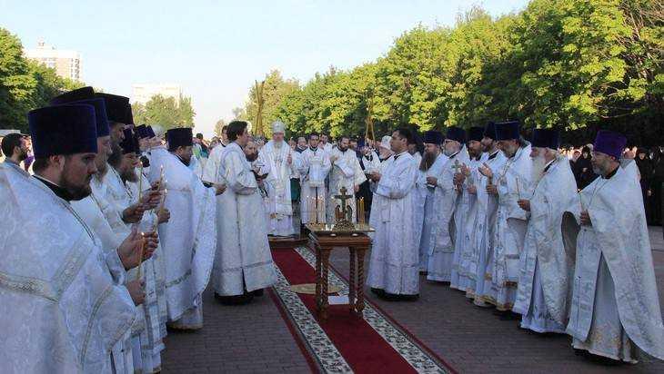 В Брянске в День памяти и скорби провели акцию «Зажги свечу»
