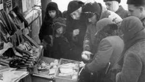 Бедному брянскому блокаднику помогут купить лекарства
