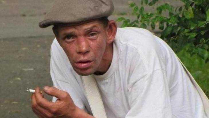 Уголовник забил до смерти брянца в его доме за попойку на кровати
