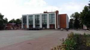 В Трубчевске начали долгожданный ремонт Дома культуры