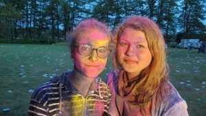 Брянские подростки по воле барыг вымажутся за мостом красками Холи