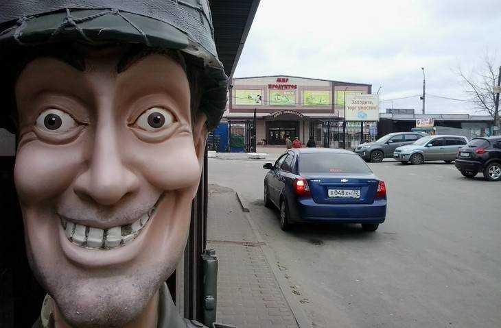В Брянске приставы на Центральном рынке устроили облаву на должников