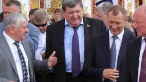 У брянского экс-губернатора Денина «передирайтеры» 17 раз украли тайну