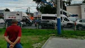 В Брянске возле автовокзала снесли крепость с шаурмой