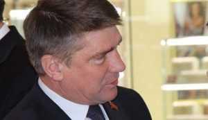 Суд оставил под арестом зампредседателя Брянской думы Юрия Гапеенко
