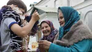 В Стародубе парикмахеры подарят бабушкам «Праздник красоты»