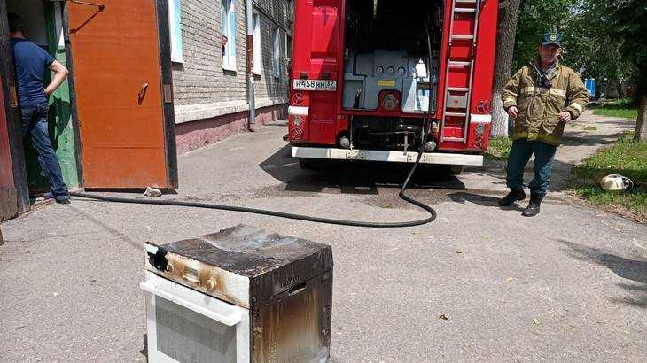В сети появились фото пожара на Литейной улице