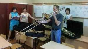 Брянская школа искусств получила новые духовые инструменты