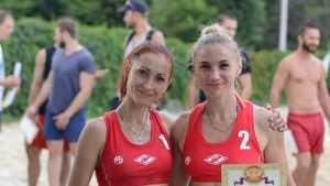 В Фокинском районе Брянска провели чемпионат по пляжному волейболу