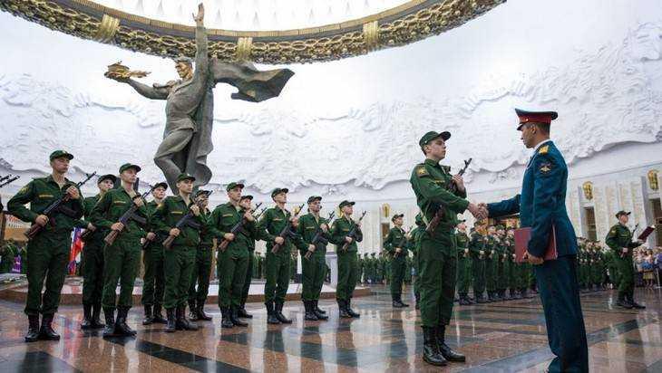 Брянские новобранцы Преображенского полка приняли присягу