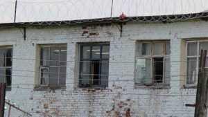 Сотрудник брянской колонии задушил заключенного тканью