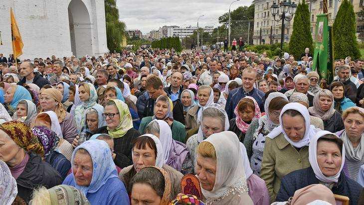 В Брянске на время Крестного хода ограничат проезд транспорта