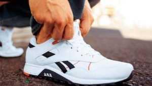В Клинцах подросток сбежал из магазина в украденных кроссовках