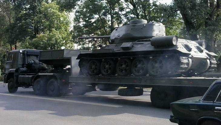 В Брянск доставили тяжелую военную технику для парада 17 сентября