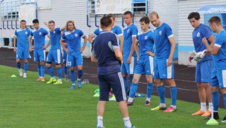 Футболисты брянского «Динамо» победили «Калугу» со счетом 2:1