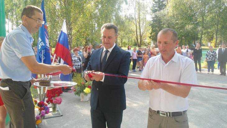 В Вороновской школе открылся реконструированный по партпроекту спортзал